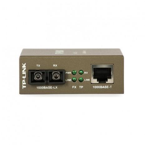 TP-Link MC210CS 02