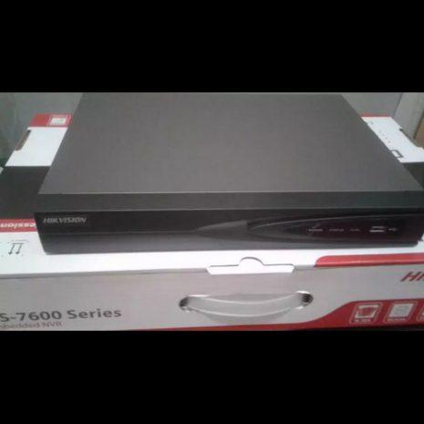 HikVision DS-7608NI-Q1 03